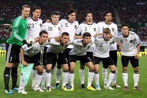 Deutsche_Fußballnationalmannschaft_2011-06-03_(01)